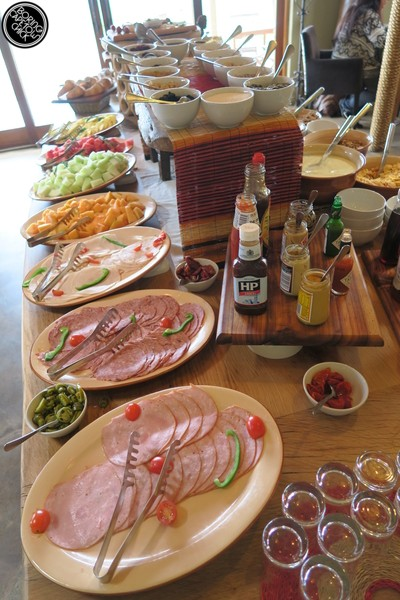 Continental breakfast at Gondwana