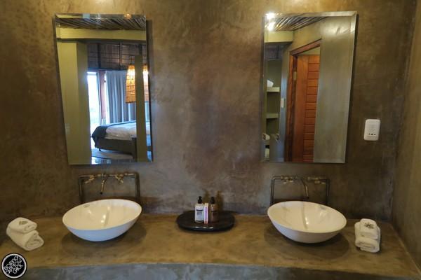 Kwena Hut Bathroom